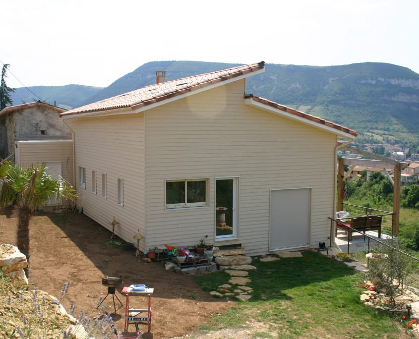maison ossature bois bioclimatique passive bardage vignes millau