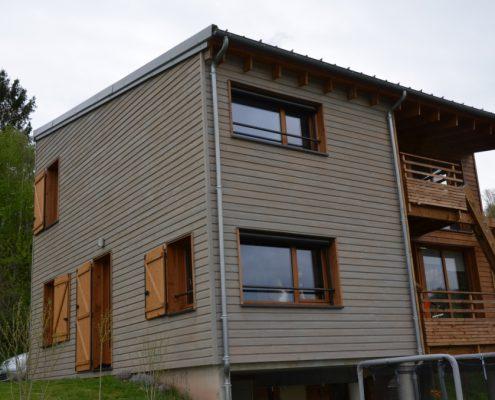 maison ossature bois bardage bioclimatique passive pergola rodez